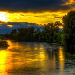image of the Willamette River at sunset